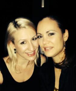 Sina und Geraldine in der Amano Bar Berlin